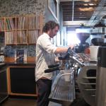 「イケメンバリスタのコーヒー」サンフランシスコ